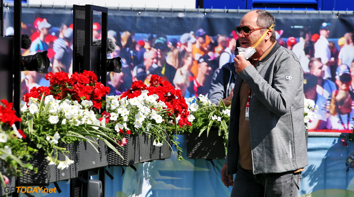 """Ook Berger en Doornbos in de bres voor Verstappen na waarschuwing: """"Maak wat meer  lol in F1"""""""