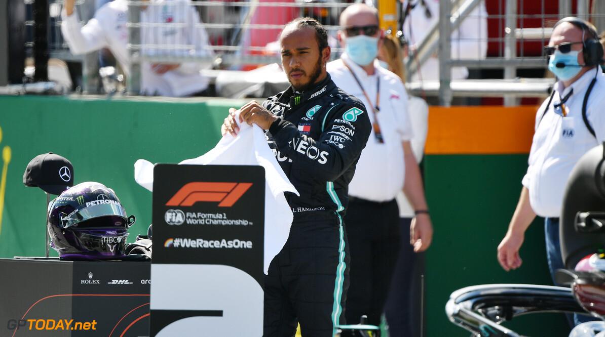 Hamilton behoudt P2 na vrijspraak door stewards