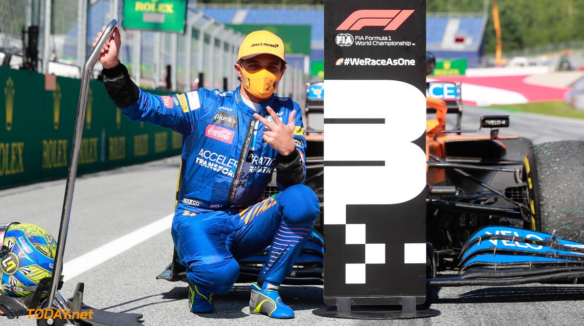 """McLaren blij na behalen P3: """"Ik ben sprakeloos"""""""