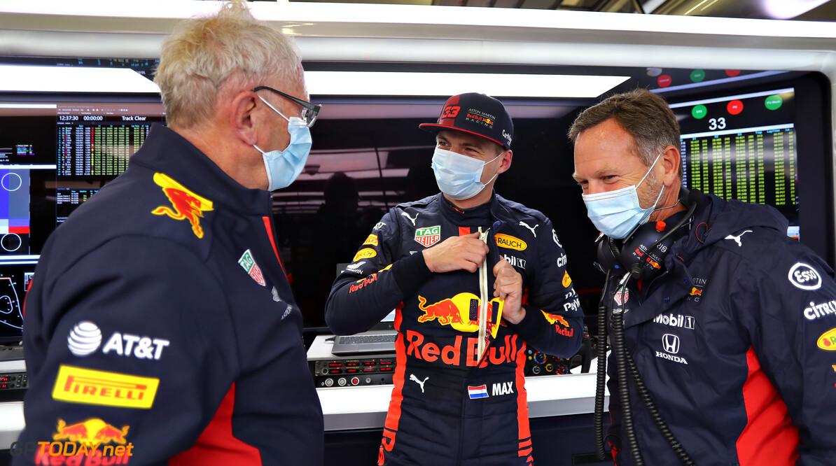 """Teambaas na crash Max Verstappen: """"Mazzel dat er alleen schade aan voorvleugel was"""""""