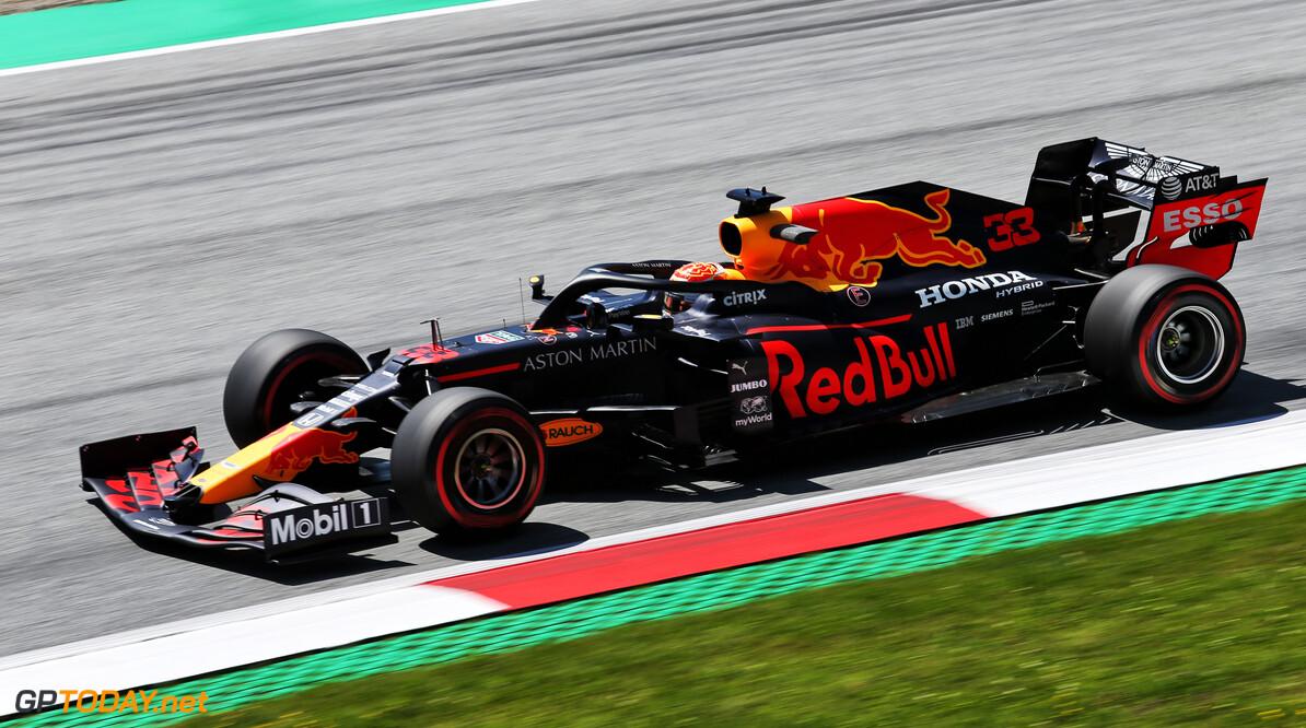 <strong>FP2:</strong> Verstappen fastest, Ricciardo crashes hard