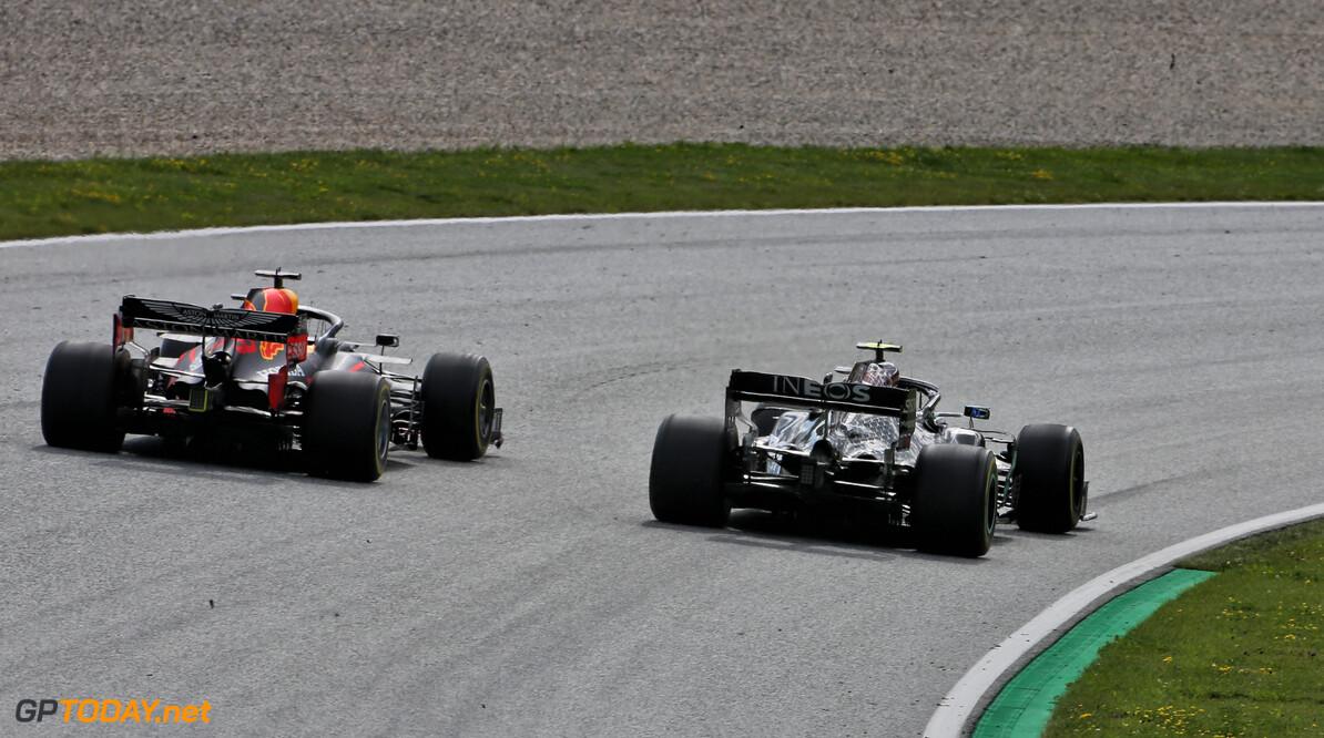 Wet van remmende voorsprong moet Red Bull naast Mercedes brengen