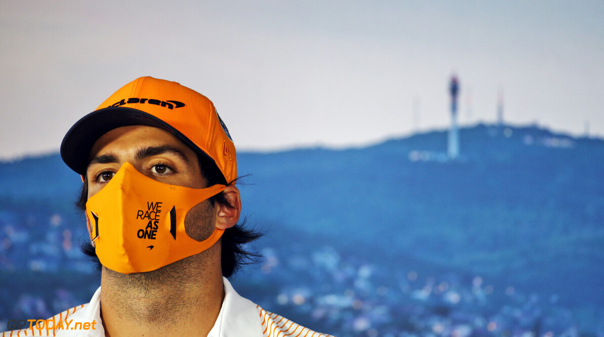Carlos Sainz heeft geen spijt van Ferrari-contract