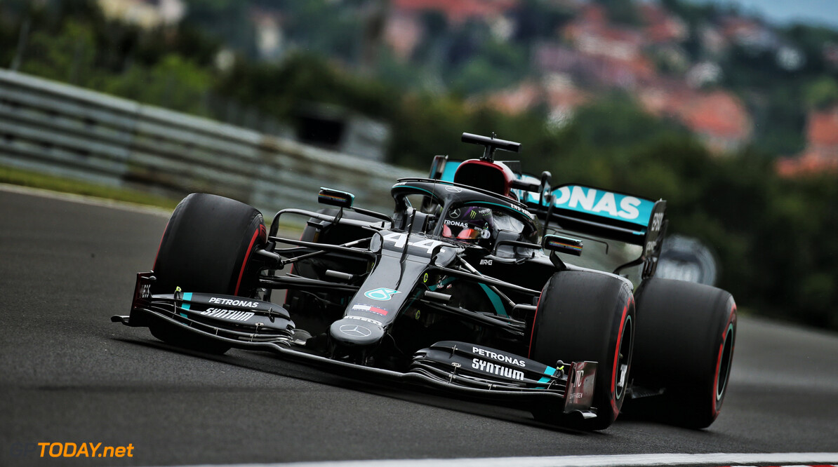 <strong>Qualifying</strong>:  Hamilton edges Bottas to pole position