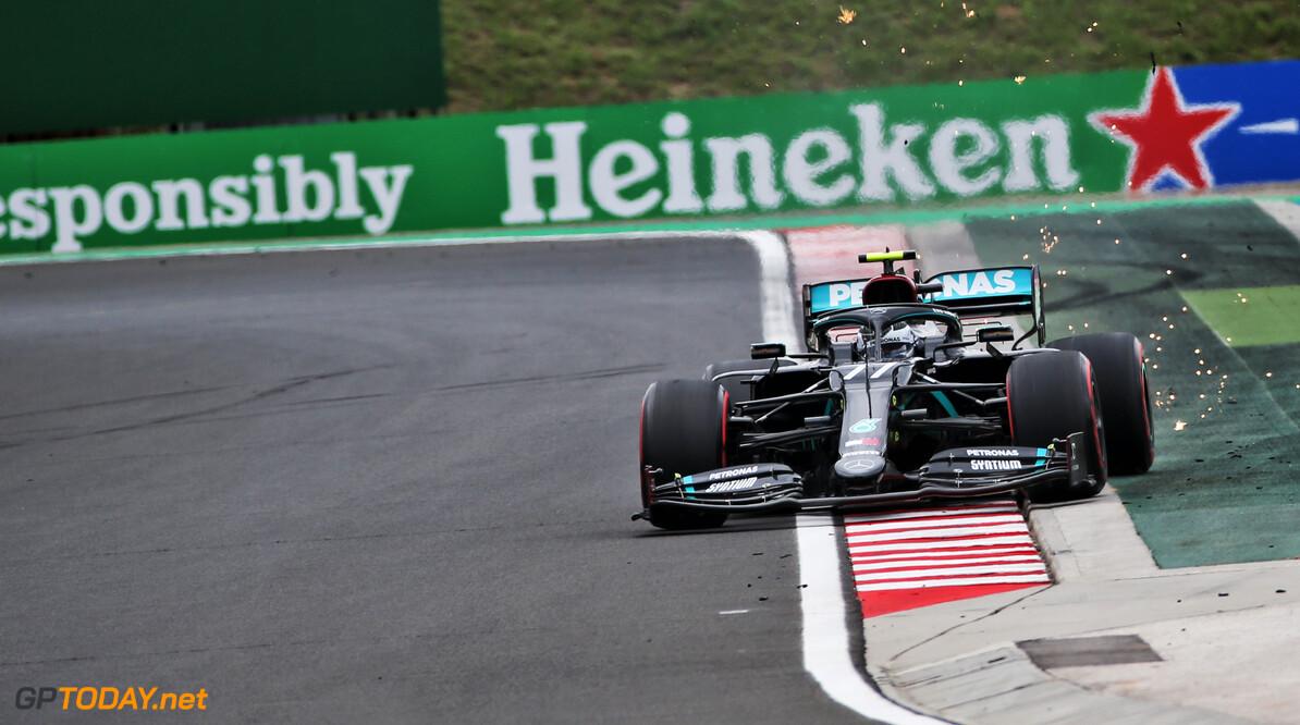 """Mercedes maakt fout bij Bottas: """"Ze deden te veel benzine in mijn wagen"""""""