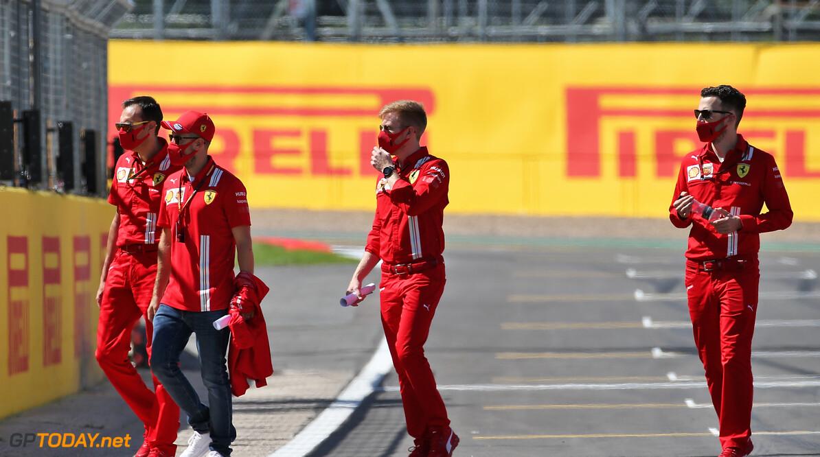 Gefrustreerde Vettel scheldt naar Ferrari tijdens de race,  na zijn uitleg snap je waarom