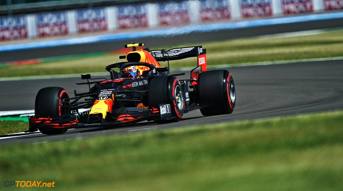 """Red Bull-teambaas Horner: """"Denk dat Mercedes verstoppertje speelt"""""""
