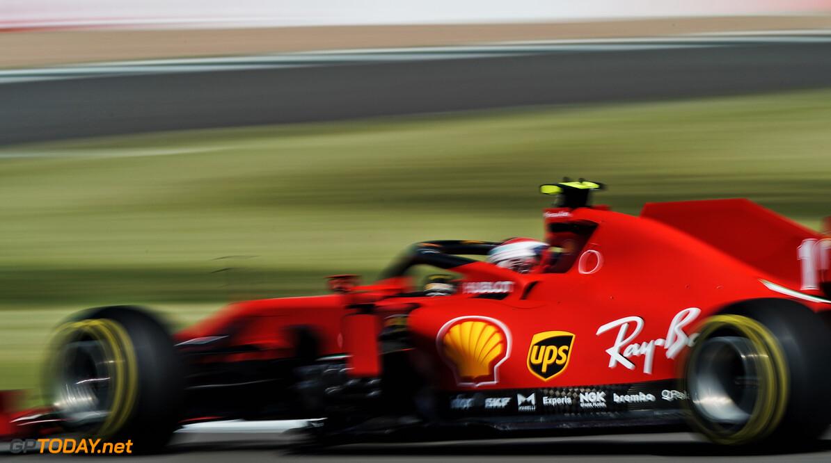 """<b>Video:</b> Ferrari tobt in de achterhoede: """"Absolute schande, niet om aan te zien: Ferrari-onwaardig"""""""
