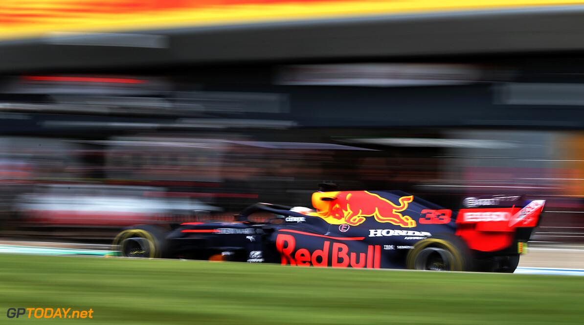VT2: Hamilton en Bottas doen aan stuivertje wisselen, Verstappen acht tienden te traag
