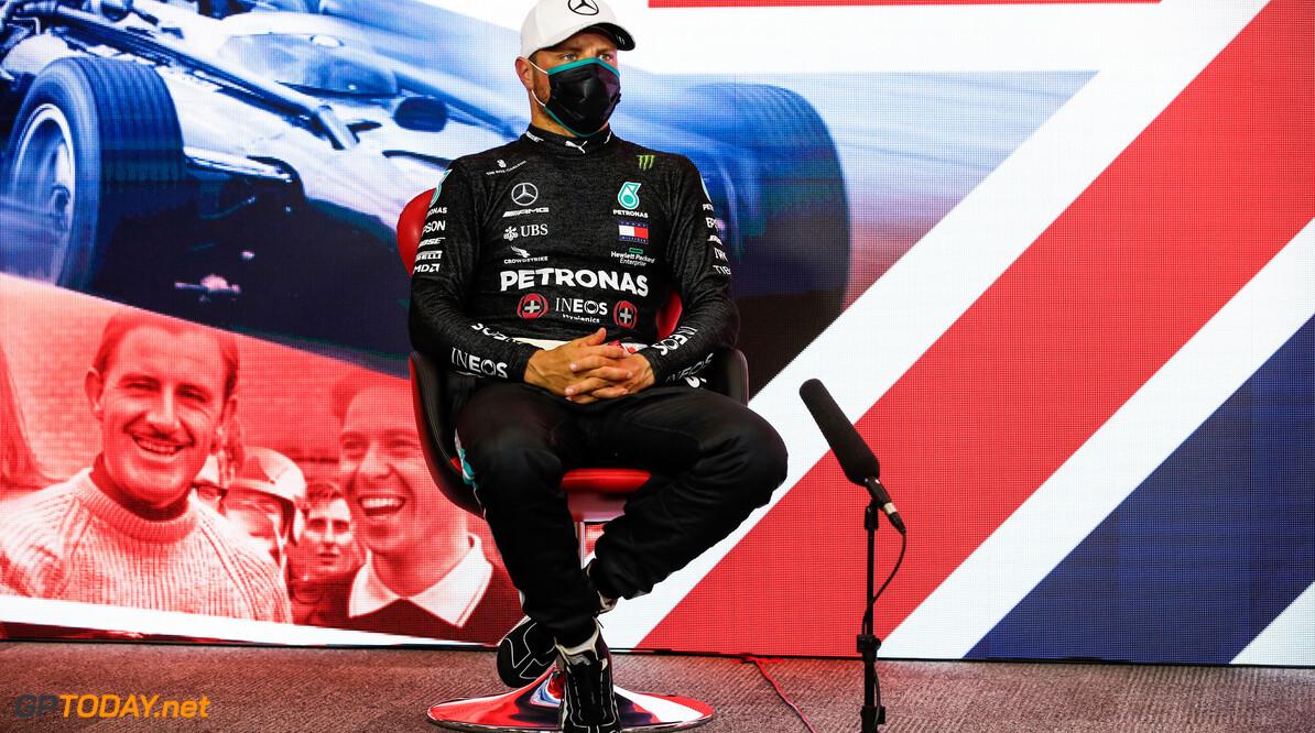 Chaos in VT3: Bottas voor McLarens, Max Verstappen krijgt geen vrije ronde