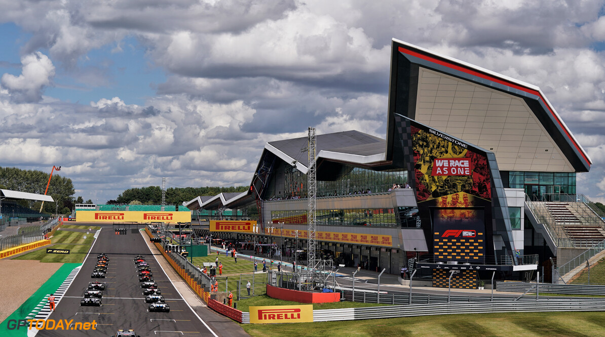 Hoe laat is de Formule 1 dit weekend tijdens de Britse F1 Grand Prix op Silverstone?