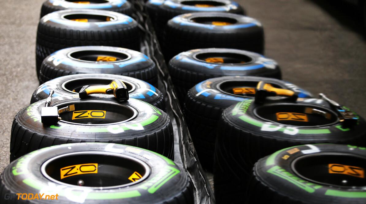 """Robert Doornbos: """"Pirelli moet zachtere banden geven aan F1-coureurs"""""""