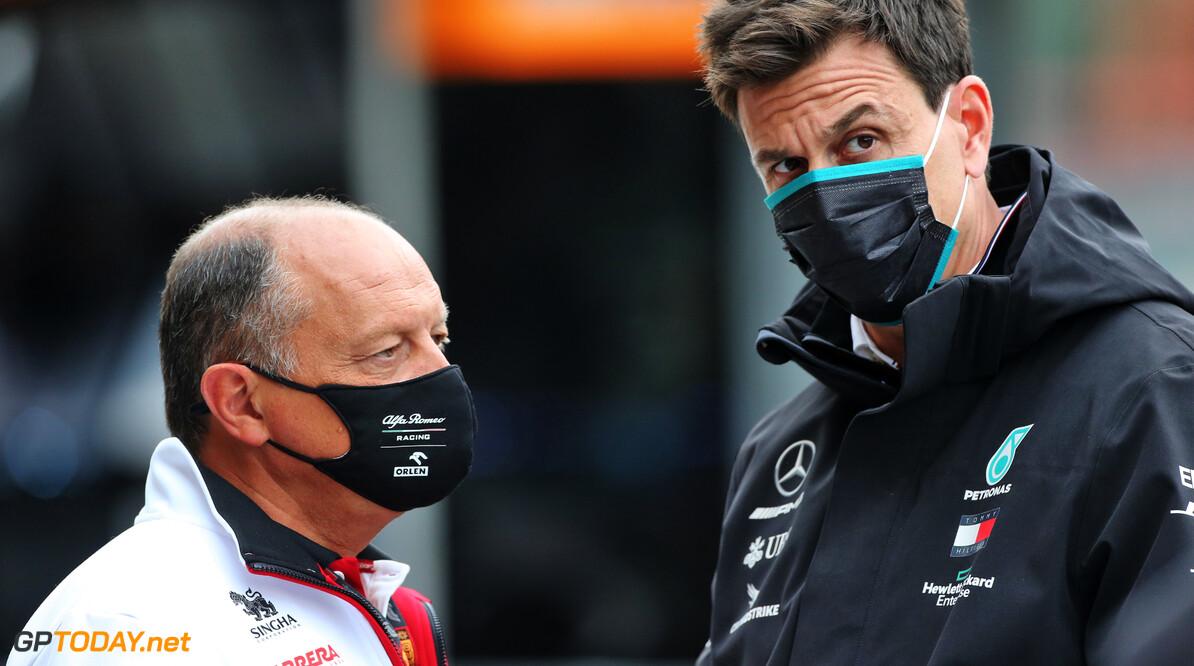 Alfa Romeo wil Bottas contracteren - Vasseur 10 keer gezien in Mercedes hospitality