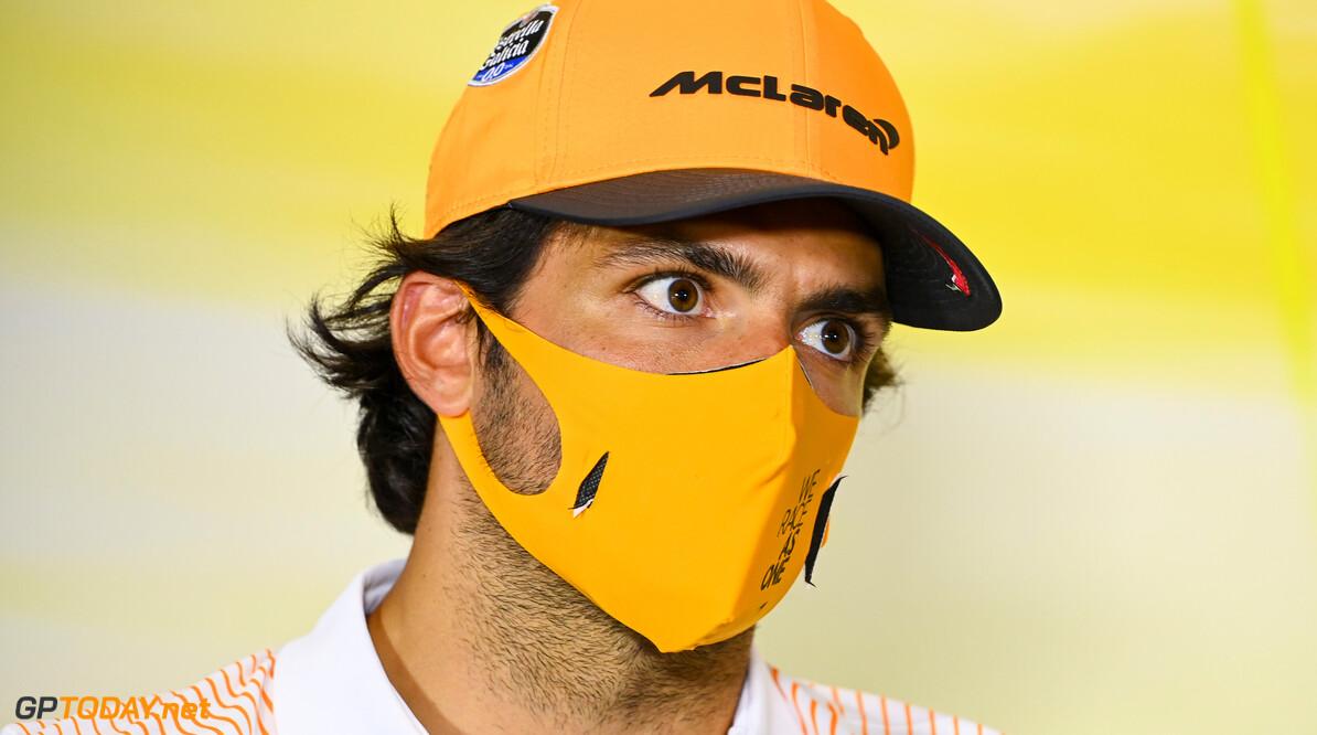 <b>Video: </b>Carlos Sainz laat zien dat hij karten niet verleerd is