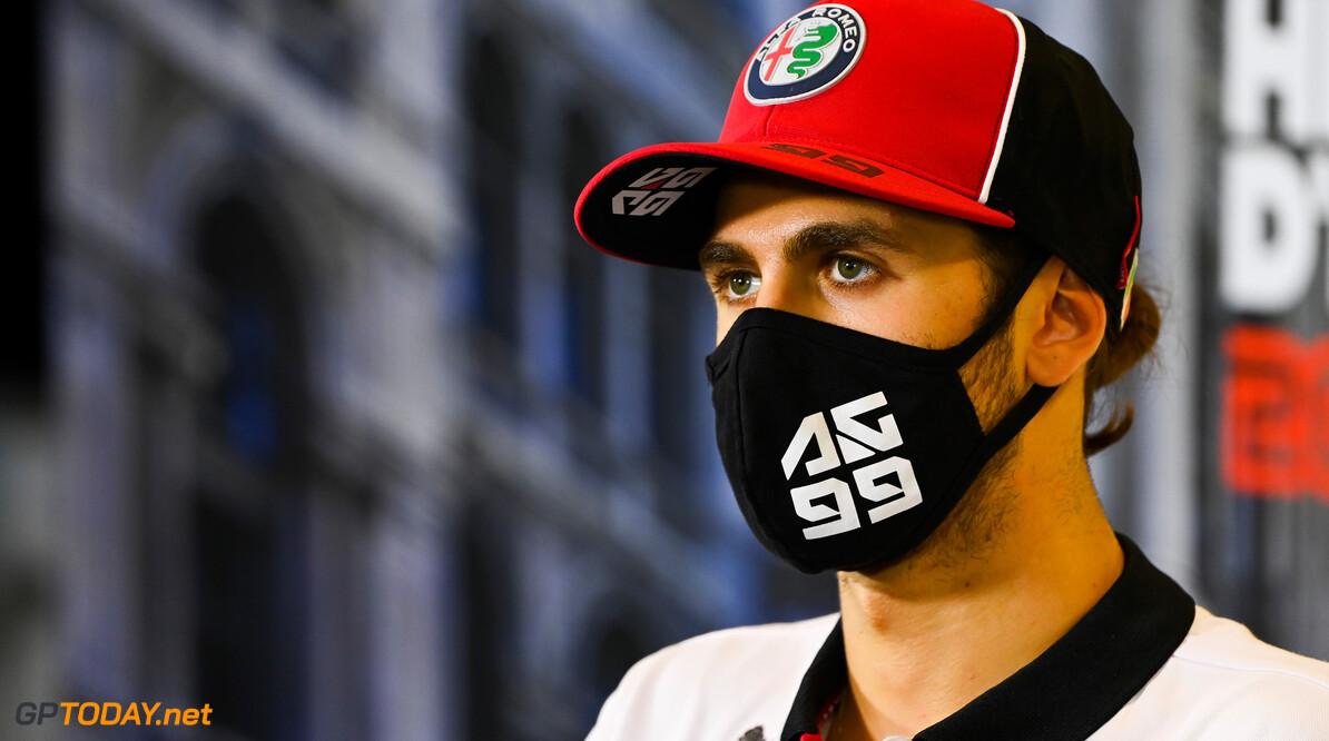 """Antonio Giovinazzi: """"Nieuwe Alfa Romeo ziet er prachtig uit, de voorkant is bijzonder"""""""