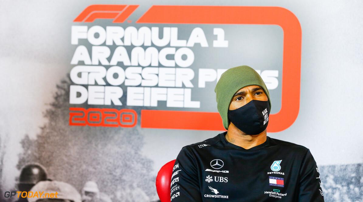"""Mercedes: """"Voorlopig geen contractbespreking met Hamilton"""""""