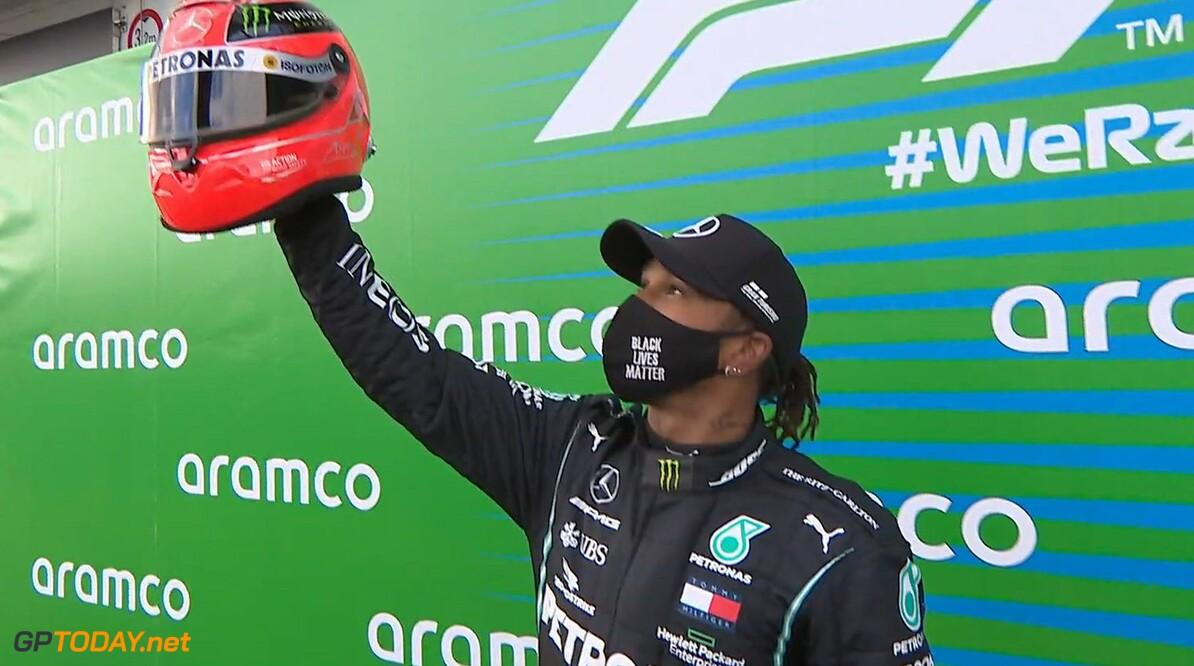 """Lewis Hamilton ontvangt helm Michael Schumacher: """"Heb er geen woorden voor, geweldig"""""""
