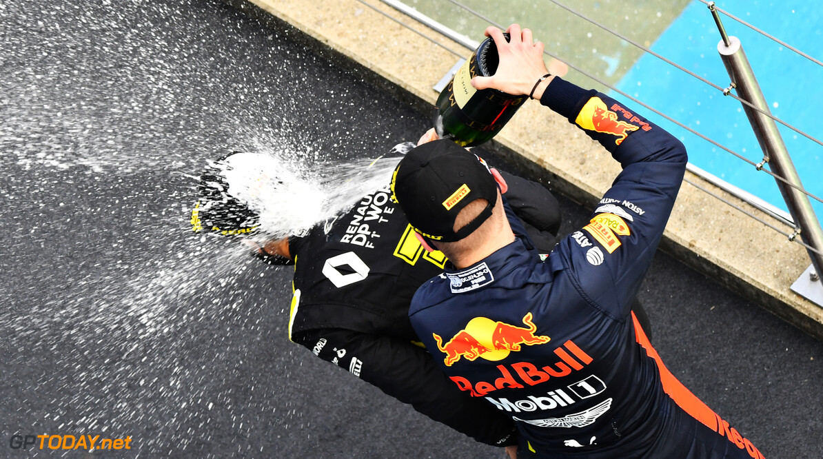 NUERBURG, GERMANY - OCTOBER 11: Race winner Lewis Hamilton of Great Britain and Mercedes GP and second placed Max Verstappen of Netherlands and Red Bull Racing celebrate on the podium during the F1 Eifel Grand Prix at Nuerburgring on October 11, 2020 in Nuerburg, Germany. (Photo by Getty Images/Getty Images) // Getty Images / Red Bull Content Pool  // SI202010110535 // Usage for editorial use only //  F1 Eifel Grand Prix     SI202010110535
