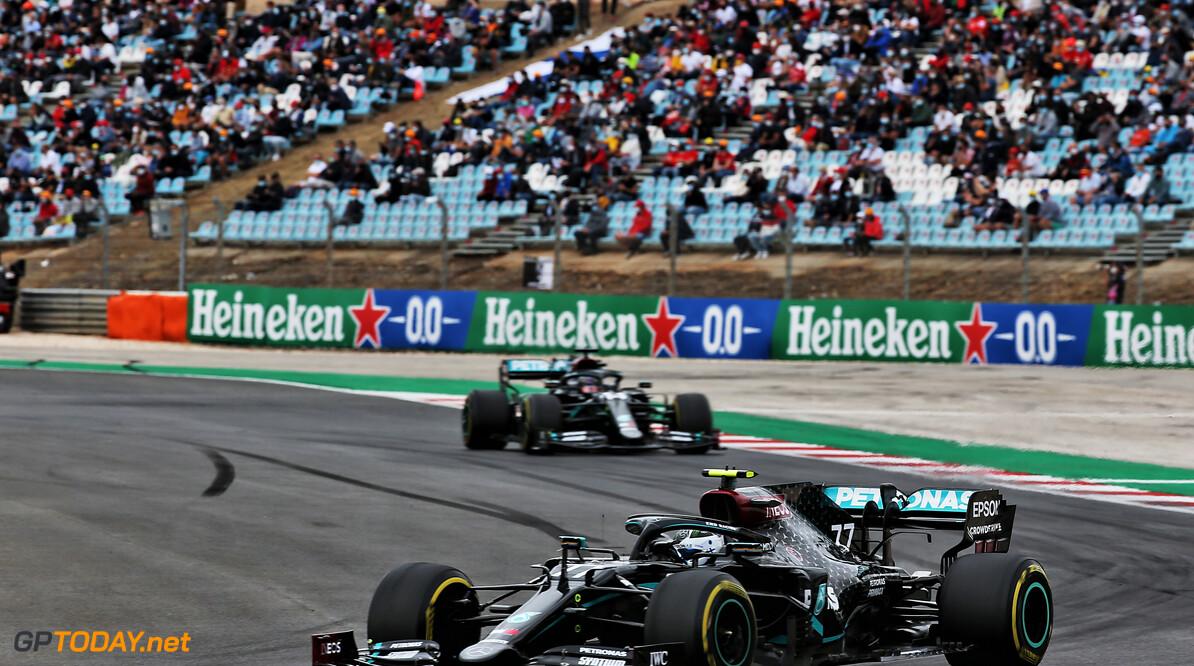 """Lewis Hamilton: """"Dit team blijft maar pushen, dit was een gezegende dag"""""""