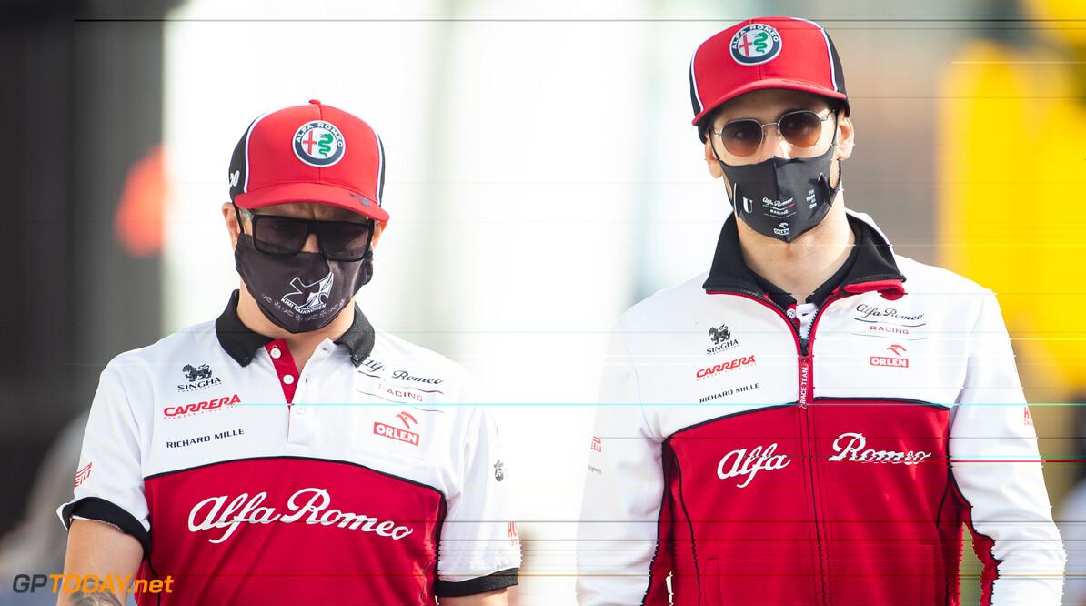 <b>Video:</b> Alfa Romeo-coureurs hebben lol tijdens Taboo