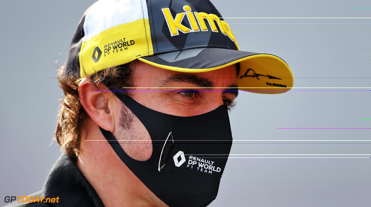 Nekspieren van Alonso worden getraind in Bahrein