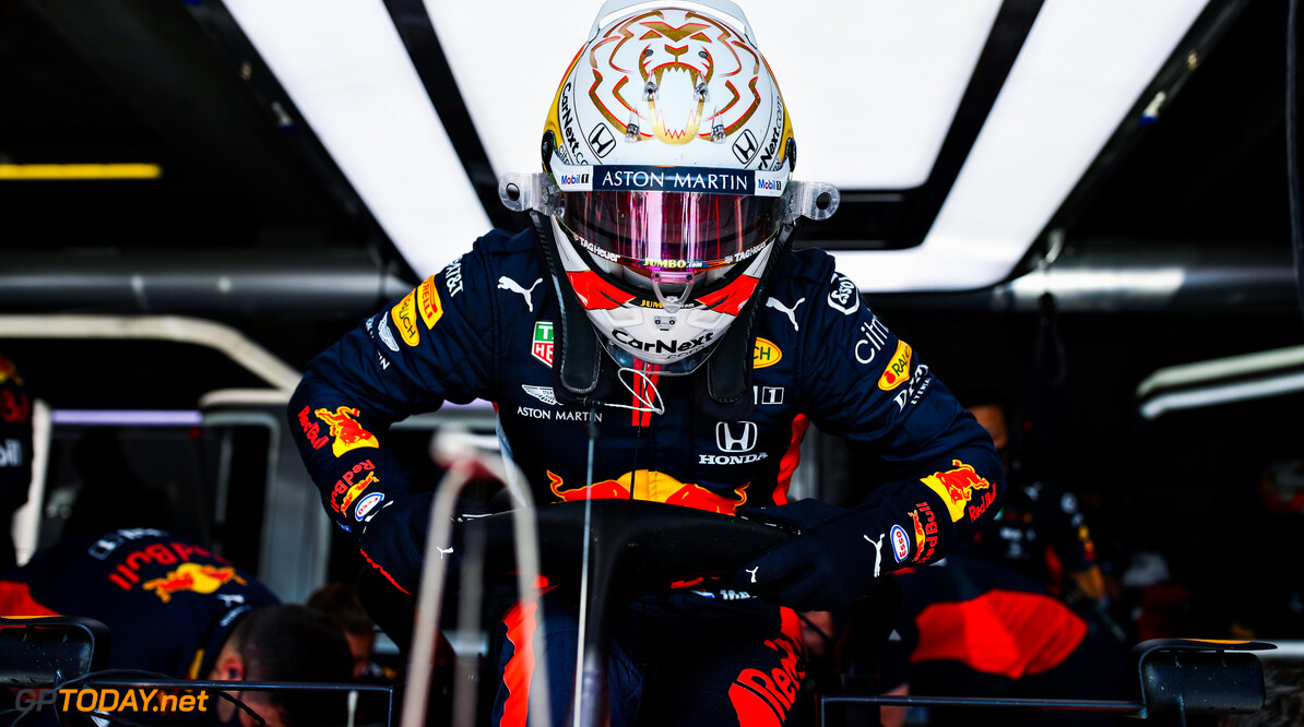 IMOLA, ITALY - OCTOBER 31: Max Verstappen of Netherlands and Red Bull Racing prepares to drive in the garage during practice ahead of the F1 Grand Prix of Emilia Romagna at Autodromo Enzo e Dino Ferrari on October 31, 2020 in Imola, Italy. (Photo by Mark Thompson/Getty Images) // Getty Images / Red Bull Content Pool  // SI202010310289 // Usage for editorial use only //  F1 Grand Prix of Emilia Romagna - Practice & Qualifying     SI202010310289
