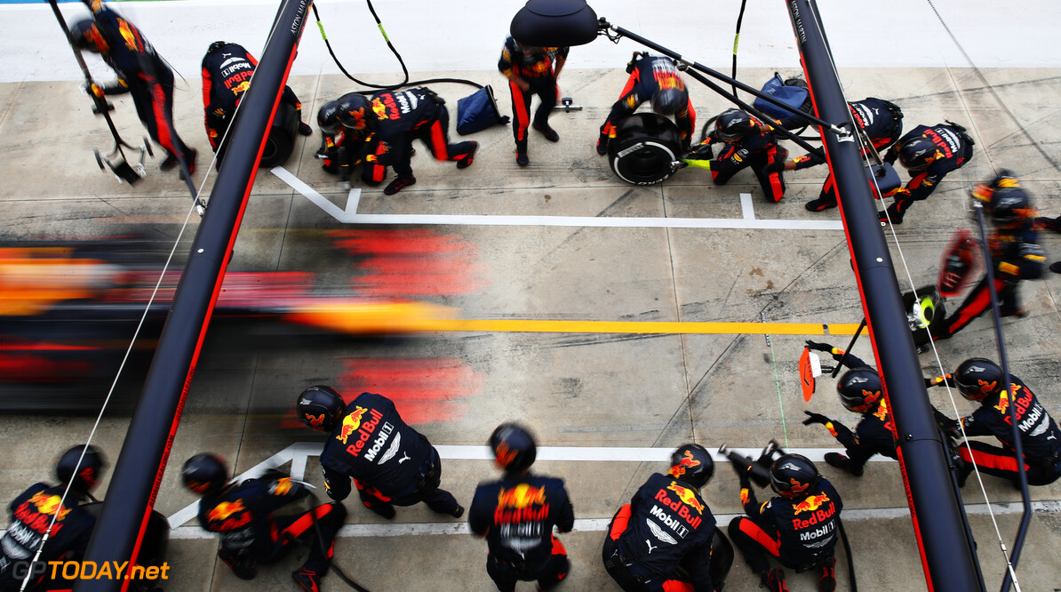 IMOLA, ITALY - NOVEMBER 01: Max Verstappen of the Netherlands driving the (33) Aston Martin Red Bull Racing RB16 makes a pitstop during the F1 Grand Prix of Emilia Romagna at Autodromo Enzo e Dino Ferrari on November 01, 2020 in Imola, Italy. (Photo by Mark Thompson/Getty Images) // Getty Images / Red Bull Content Pool  // SI202011010116 // Usage for editorial use only //  F1 Grand Prix of Emilia Romagna     SI202011010116