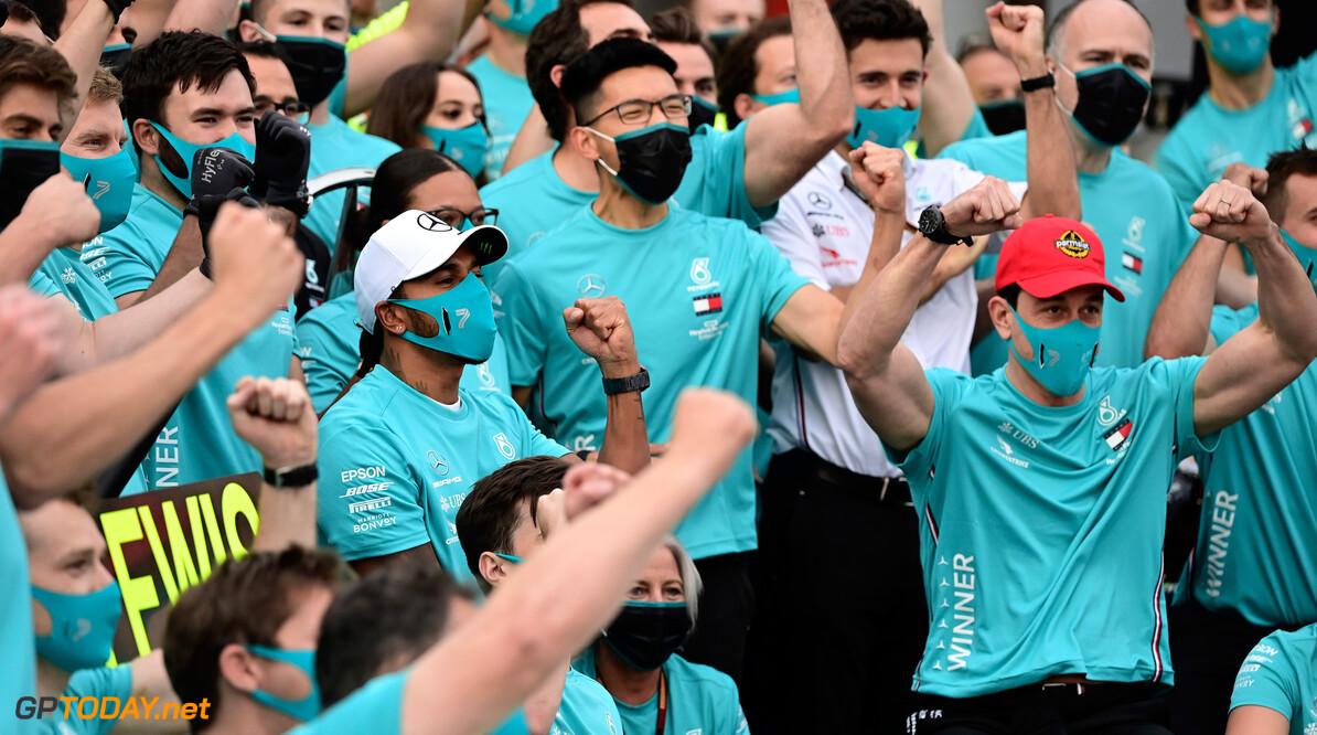 'Hamilton stopt na zevende titel met F1'