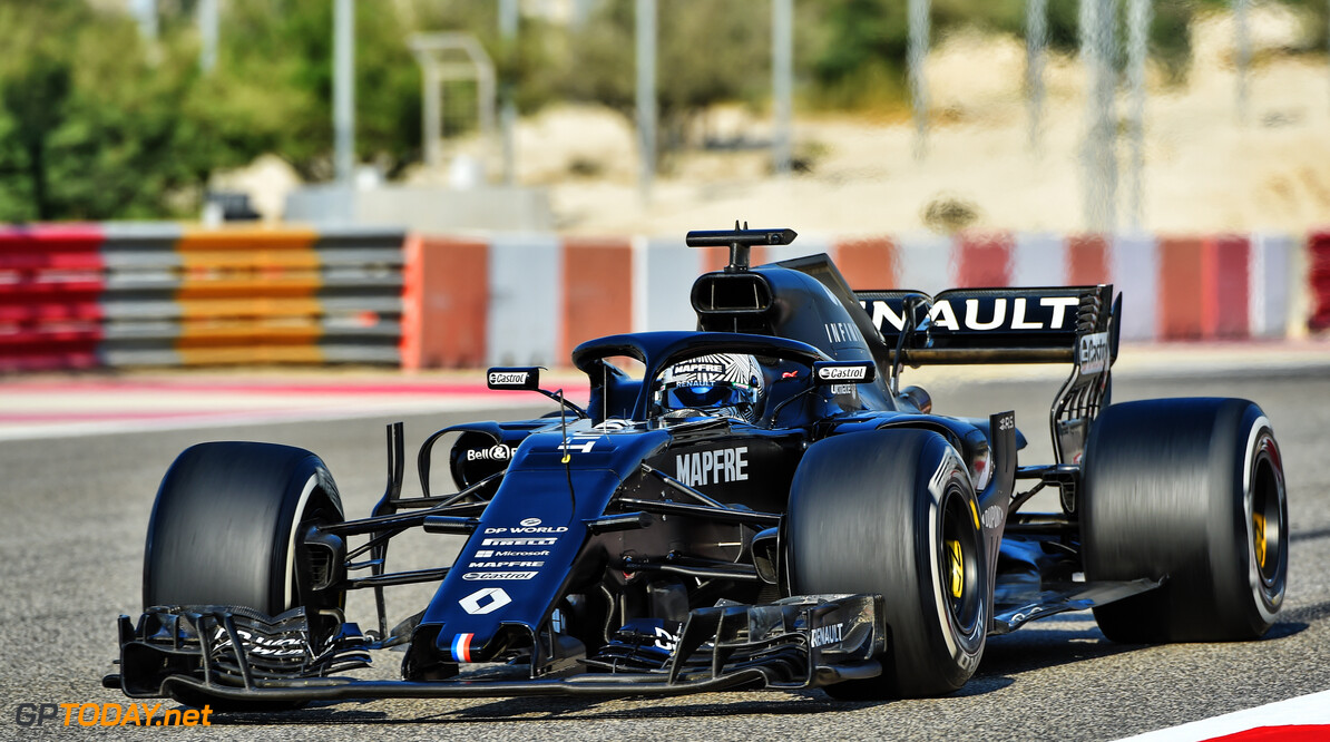 RS18 Bahrain Test Fernando Alonso (ESP) in the Renault F1 Team RS18.