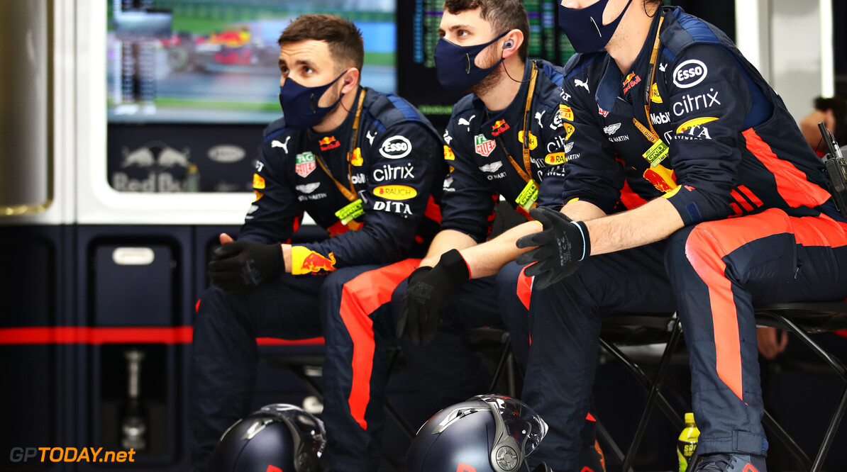 ISTANBUL, TURKEY - NOVEMBER 15: The Red Bull Racing team watch the action in the garage during the F1 Grand Prix of Turkey at Intercity Istanbul Park on November 15, 2020 in Istanbul, Turkey. (Photo by Bryn Lennon/Getty Images) // Getty Images / Red Bull Content Pool  // SI202011150120 // Usage for editorial use only //  F1 Grand Prix of Turkey     SI202011150120