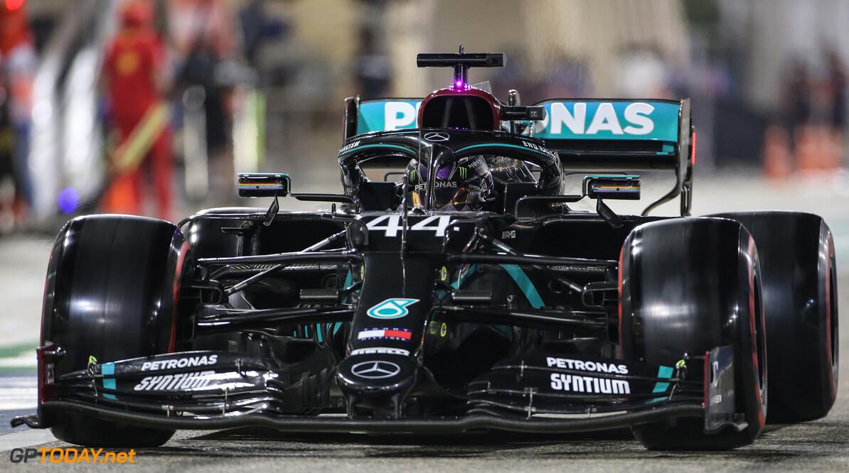 F1 kwalificatie GP Bahrein: Hamilton op pole, Bottas tweede, Verstappen derde