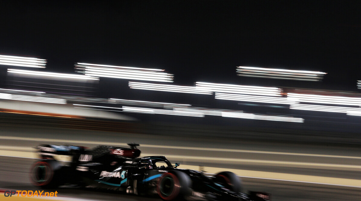 "<b>Video:</b> Lewis Hamilton na behalen 98e pole: ""Goed gedaan, jongens"""