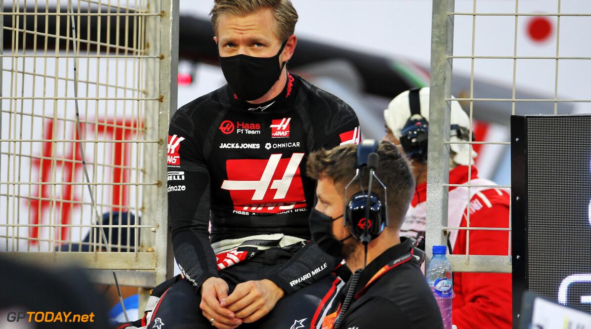"""Kevin Magnussen wilde niet racen: """"Ik was erg nerveus na crash van Grosjean"""""""