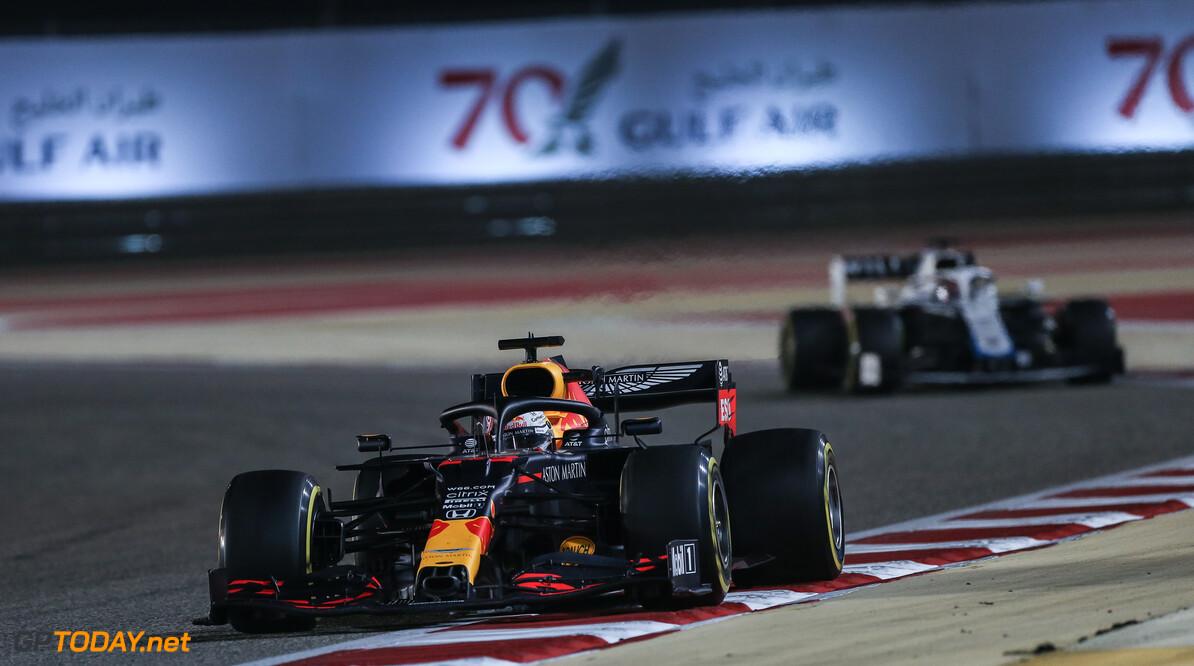 Een rondje over het circuit voor de SakhirGP met Max Verstappen tijdens VT1