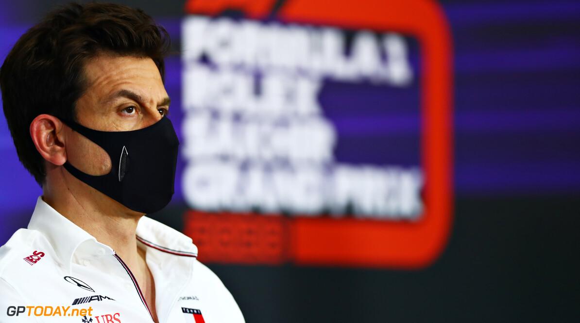 Mercedes geeft oorzaak mislukte pitstops: ''De radio werkte niet, het was geen menselijke fout''