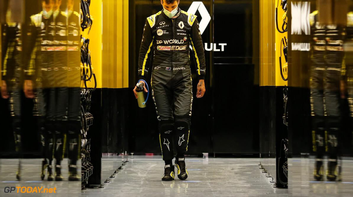 """Ricciardo over Ocon: """"Hij is jong en nergens bang voor"""""""