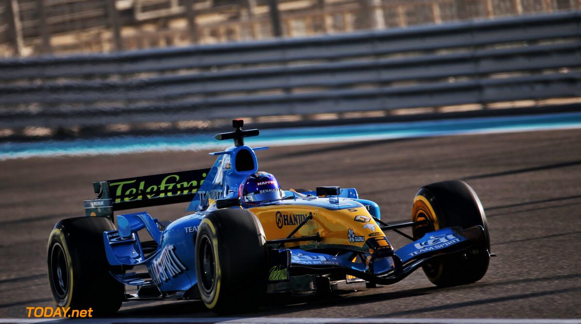 <b>Video:</b> Aan boord bij Fernando Alonso in de R25 met 360-graden camera!