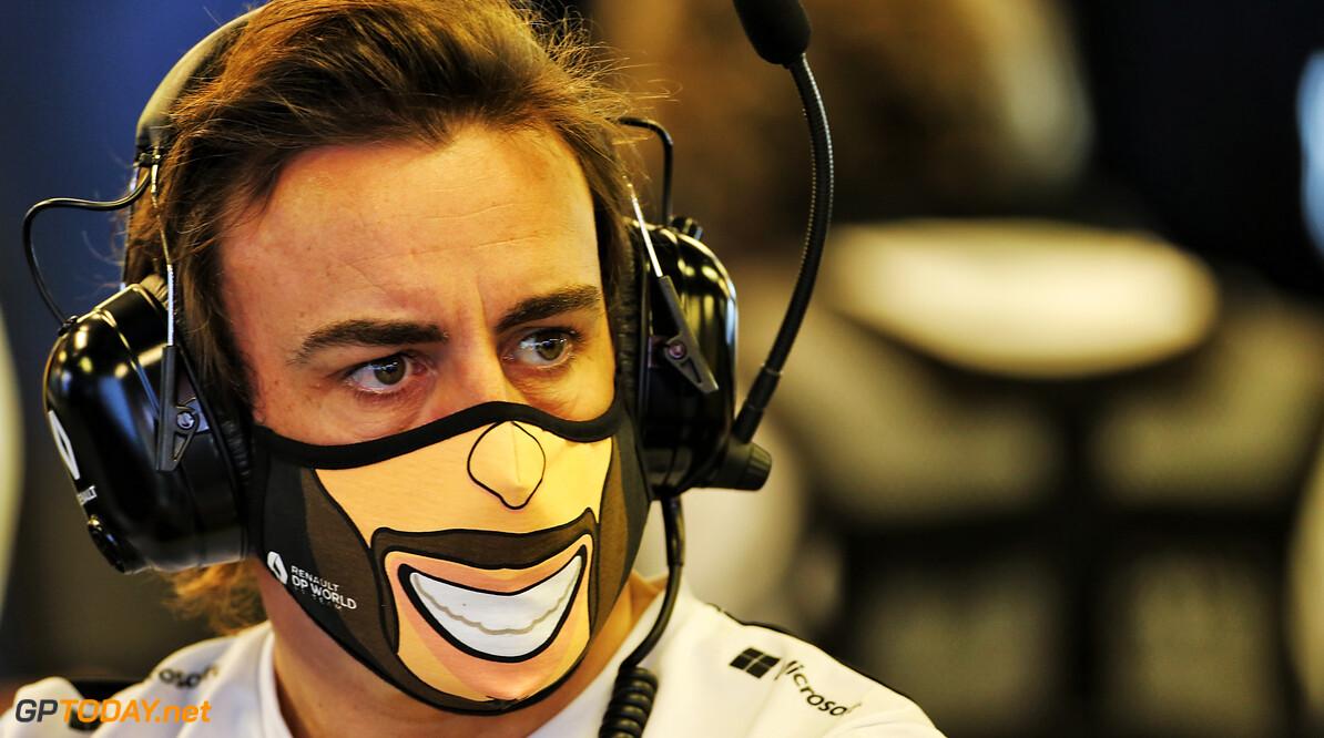 Alonso mikt bij terugkeer op podiumplaatsen met Alpine