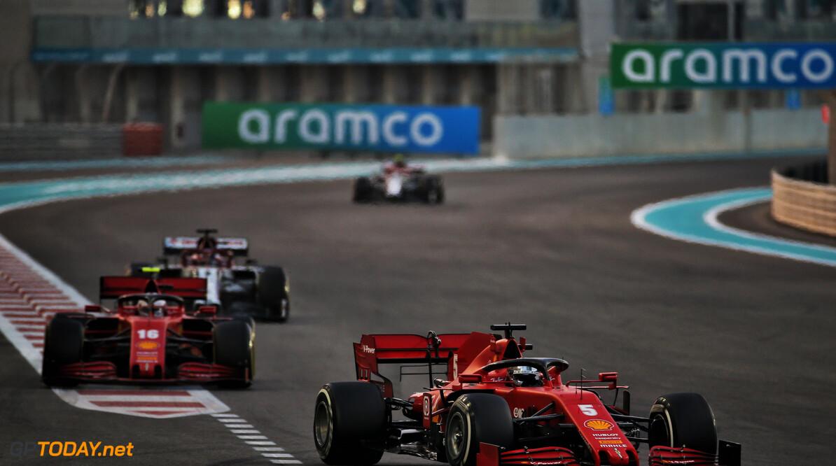 Dit schreef Sebastian Vettel op de helm die hij aan Charles Leclerc gaf