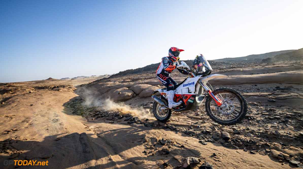 Daniel Sanders (AUS) of Red Bull KTM Factory Team races during stage 3 of Rally Dakar2021 from Wadi Ad Dawasir to Wadi Ad Dawasir, Saudi Arabia on January 5, 2021 // Marcelo Maragni/Red Bull Content Pool // SI202101050065 // Usage for editorial use only //  Daniel Sanders     SI202101050065