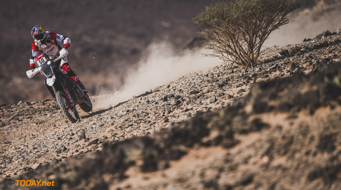 Santtosh Chunchunguppe Shivashangar (IND) for Hero motorsports team rally races during stage 4 of Rally Dakar 2021 from Wadi Ad-Dawasir to Riyadh, Saudi Arabia on January 6, 2021. // Flavien Duhamel/Red Bull Content Pool // SI202101060163 // Usage for editorial use only //  Santtosh Chunchunguppe Shivashangar     SI202101060163