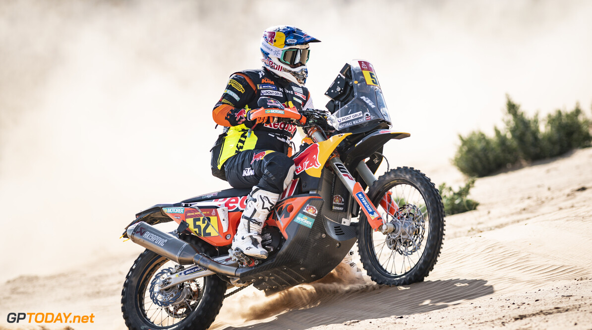 Matthias Walkner (AUT) of Red Bull KTM Factory Team races during stage 04 of Rally Dakar2021 from Wadi Ad Dawasir to Riyadh, Saudi Arabia on January 06, 2021 // Marcelo Maragni/Red Bull Content Pool // SI202101070115 // Usage for editorial use only //  Matthias Walkner     SI202101070115