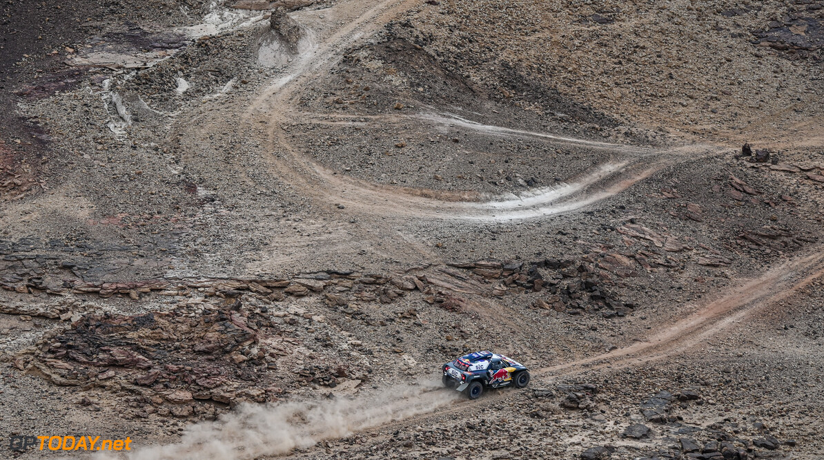 Stephane Peterhansel and Edouard Boulanger in the Mini Buggy of the X-Raid Mini JCW Team during the 5th stage of the Dakar 2021 between Riyadh and Al Qaisumah, in Saudi Arabia on January 7, 2021. // Eric Vargiolu / DPPI / Red Bull Content Pool // SI202101070223 // Usage for editorial use only //  Stephane Peterhansel and Edouard Boulanger     SI202101070223