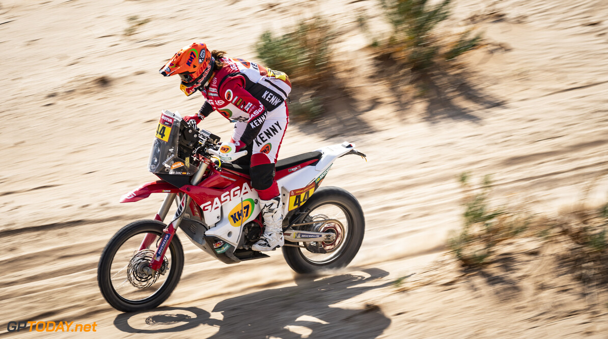 Laia Sanz (ESP) from GasGas Factory Racing Team races during stage 4 of Rally Dakar2021 from Wadi Ad Dawasir to Riyadh, Saudi Arabia on January 6, 2021 // Marcelo Maragni/Red Bull Content Pool // SI202101060104 // Usage for editorial use only //  Laia Sanz     SI202101060104