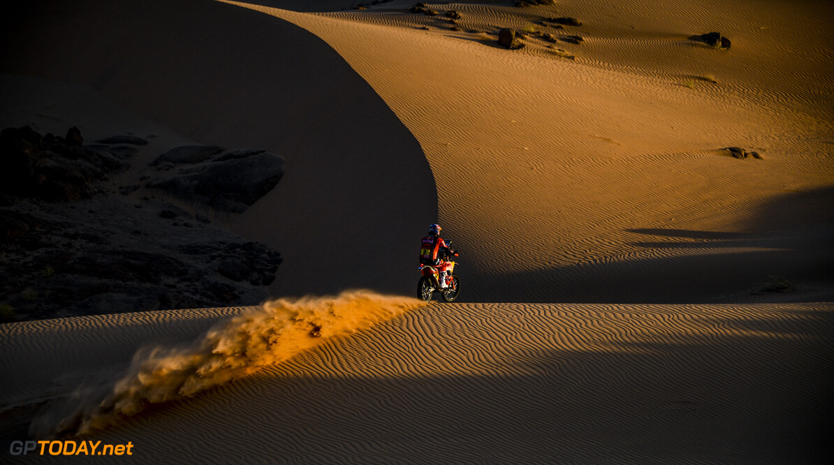 Toby Price on his KTM of the Red Bull KTM Factory Teamm races during the 2nd stage of the Dakar 2021 between Bisha and Wadi Al Dawasir, in Saudi Arabia on January 4, 2021. // Eric Vargiolu / DPPI / Red Bull Content Pool // SI202101040159 // Usage for editorial use only //  Toby Price     SI202101040159