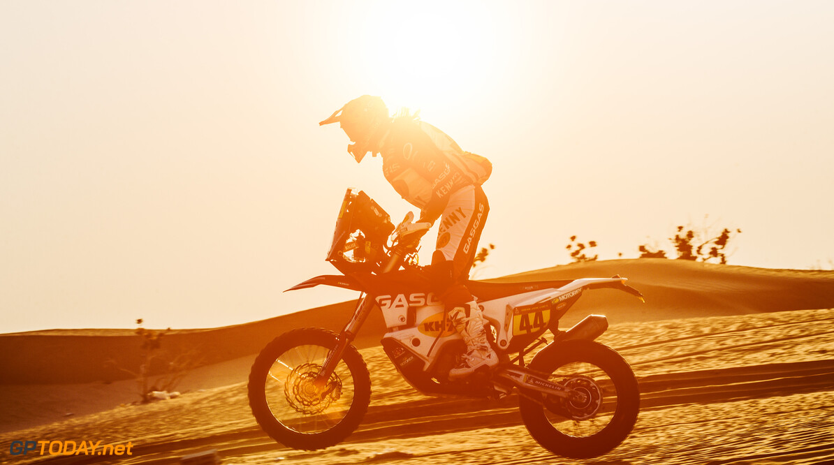 Laia Sanz (ESP) for Gas Gas Factory team races during stage 5 of Rally Dakar 2021 from Riyadh to Buraydah, Saudi Arabia on January 07, 2021. // Flavien Duhamel/Red Bull Content Pool // SI202101070142 // Usage for editorial use only //  Laia Sanz     SI202101070142