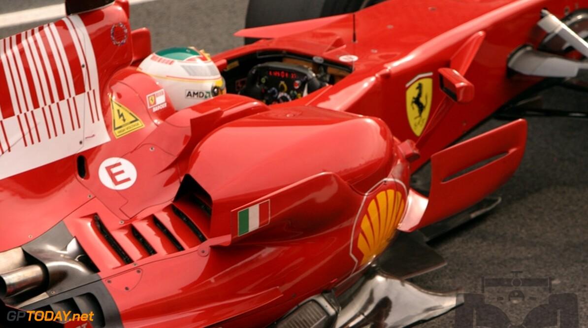Ferrari wacht op nieuwe auto voor testen met KERS