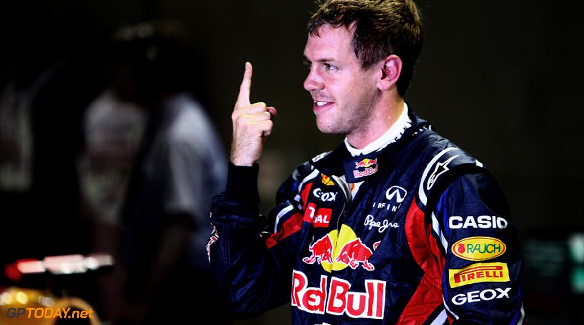 Vettel wint saaie Grand Prix in Singapore