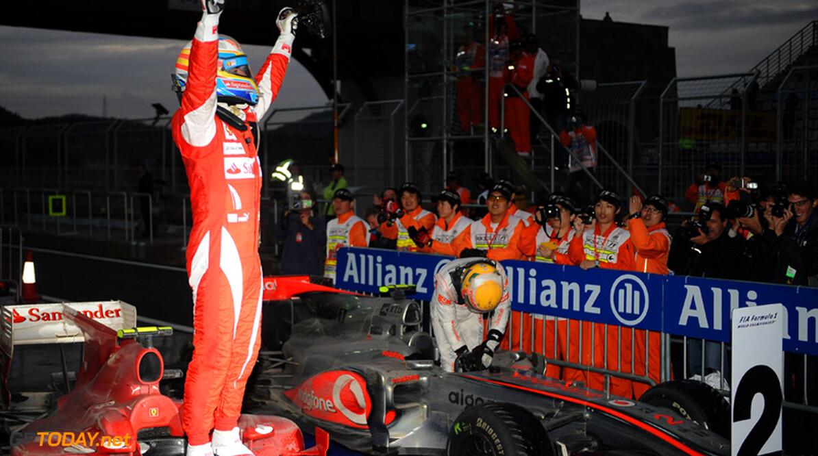 "Alonso: ""Red Bull Racing is favoriet voor Brazilië en Abu Dhabi"""
