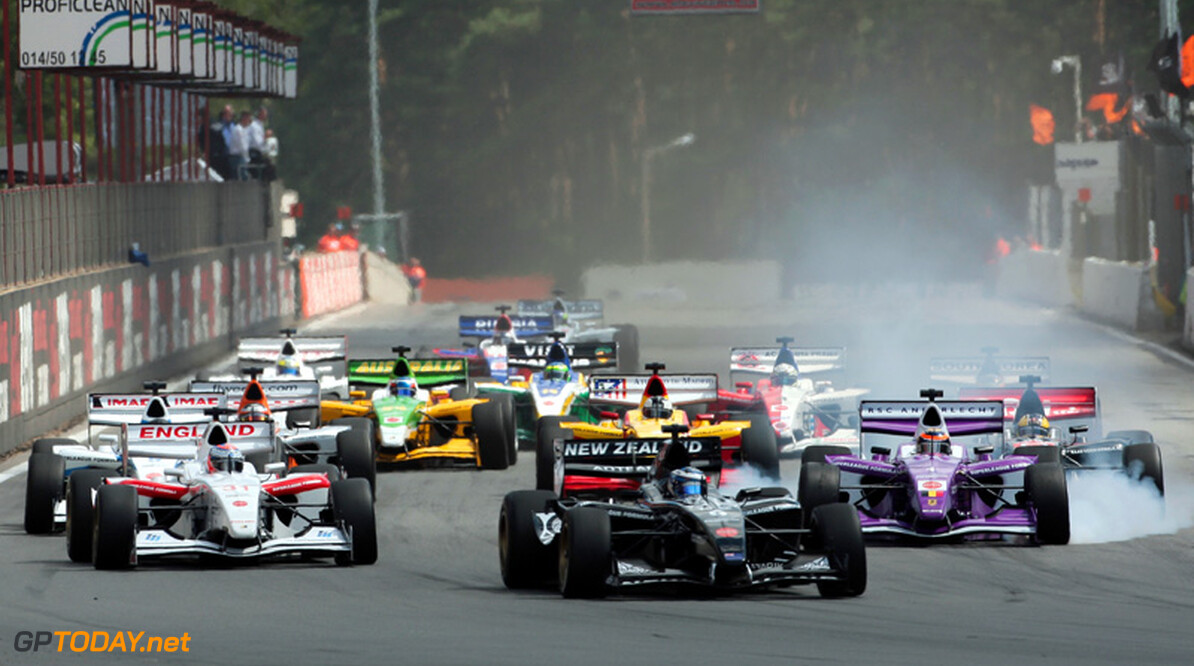 Superleague Formula schrapt races in Azië, seizoen 2011 ten einde